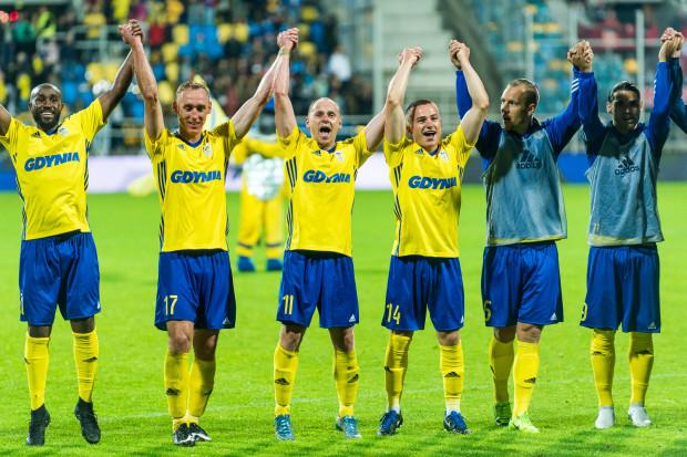 Michał Nalepa (trzeci z prawej) zapewnia, że zwycięstwo nad FC Midtjylland nie spowoduje, iż mobilizacja na mecz w ekstraklasie będzie mniejsza niż miało to miejsce w kwalifikacjach Ligi Europy.