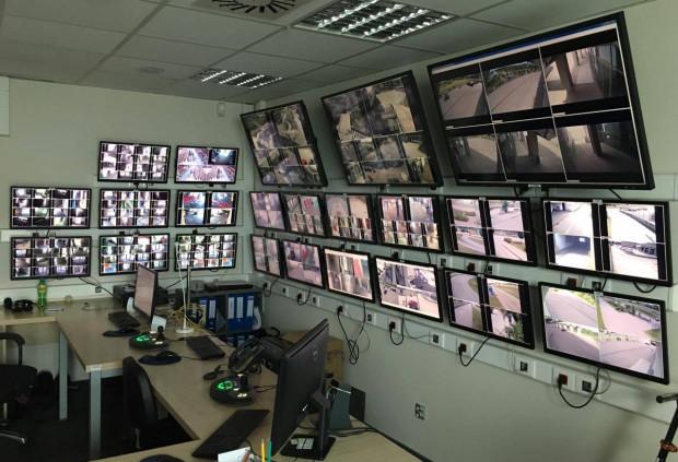 W Ergo Arenie system monitoringu z reguły obsługują 2-3 osoby.