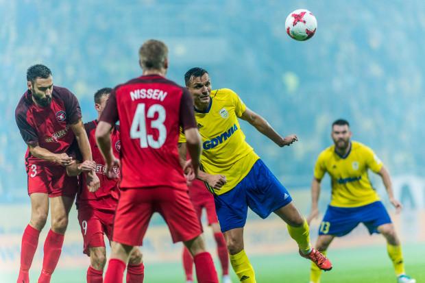 Dawid Sołdecki strzelił gola dla Arki w Danii, ale to 2 bramki, które FC Midtjylland zdobył w Gdyni, przeważyły szalę awansu na korzyść tej drużyny przy remisie w dwumeczu 4:4.