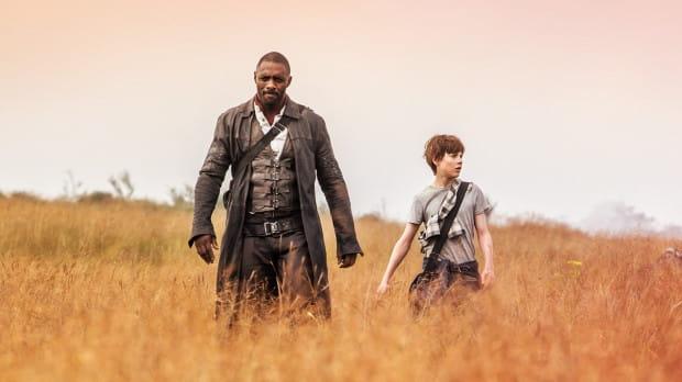Roland (Idris Elba) i Jake (Tom Taylor) pochodzą z odmiennych światów, różnią się wiekiem, doświadczeniami, atrybutami i motywacją do działania. Wspólnie jednak stają na drodze czarnoksiężnika (Matthew McConaughey) pragnącego obalić Mroczną Wieżę - symbol równowagi i bezpieczeństwa wszechświata.