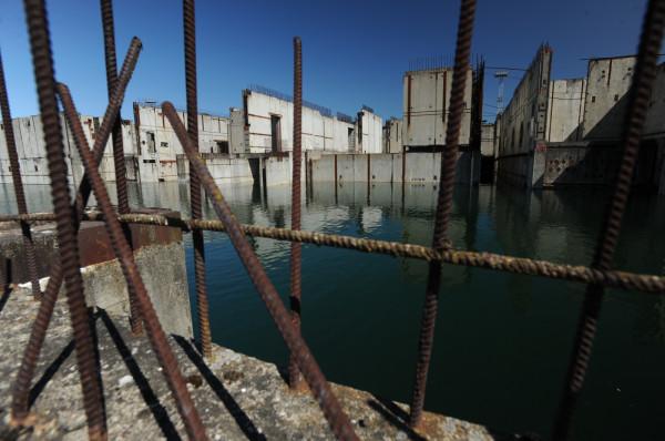 Po poprzednich planach budowy elektrowni jądrowej pozostały nam ruiny nad Jeziorem Żarnowieckim. Nowy program budowy kosztował nas już 200 mln zł.