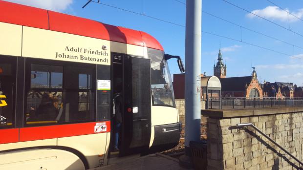 To już przeszłość. Nazwisko Adolfa Butenandta zostało już usunięte z karoserii widocznego na zdjęciu tramwaju.