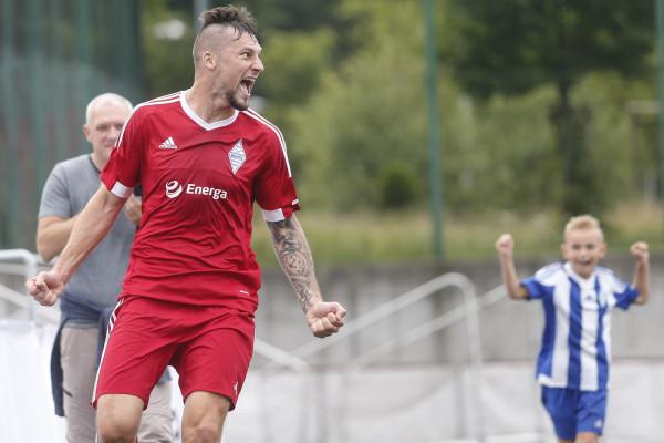 Tak cieszył się Szymon Rychłowski, który strzelił pierwszego gola dla Bałtyku Gdynia w sezonie 2017/18.