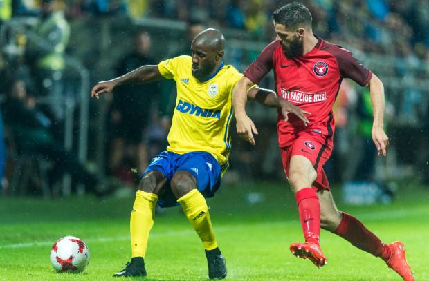 Leszek Ojrzyński znalazł sposób jak odpowiednio wykorzystać Yannicka Sambeę. Pomocnik grał m.in. dwukrotnie w eliminacjach do Ligi Europy przeciwko FC Midtjylland.