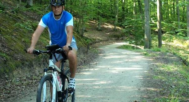 Rowerem po lesie jeżdżą przede wszystkim przygotowani do wysiłku rowerzyści, ale trasy są także odpowiednie dla mniej zaawansowanych cyklistów.