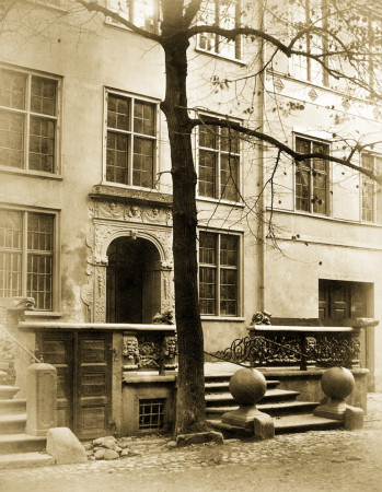 Przedproże domu rodzinnego Fahrenheita w 1865 r.