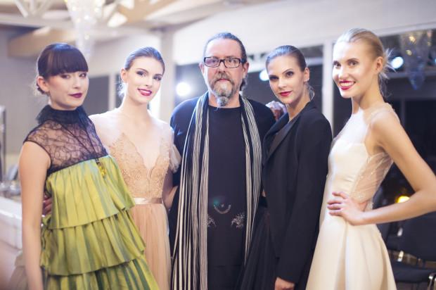 Michał Starost (na zdjęciu z modelkami) zaprezentuje na sopockiej imprezie swoją nową kolekcję.