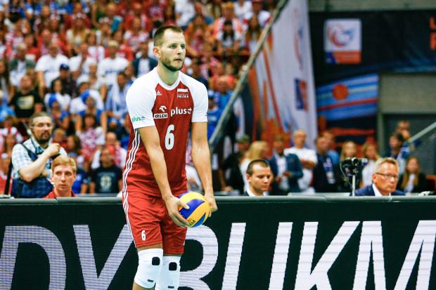 Polaków do dobrej gry popchnęła w pierwszym secie zagrywka Bartosza Kurka. Po niej biało-czerwoni zniwelowali trzy punkty straty i przejęli kontrolę, jak się później okazało, nad całym meczem.