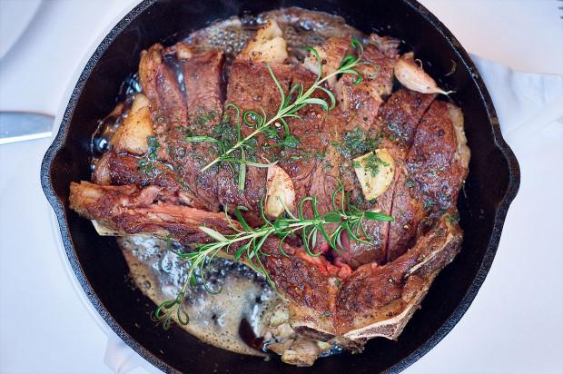 Steki w Delmonico to prawdopodobnie najlepsza wołowina, jaką zjecie w Trójmieście.
