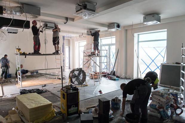 """W ten weekend otwarta zostanie sala koncertowo-teatralna, a w kolejnych tygodniach restauracja """"Tu Można Marzyć"""", pracownie warsztatowe oraz hostel."""