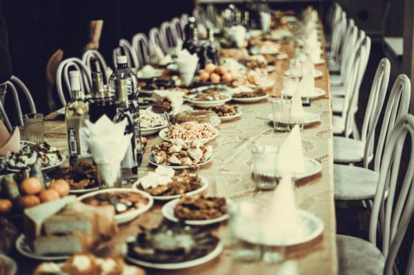 Na weselnym stole powinny znaleźć się rozgrzewające dania i napoje.
