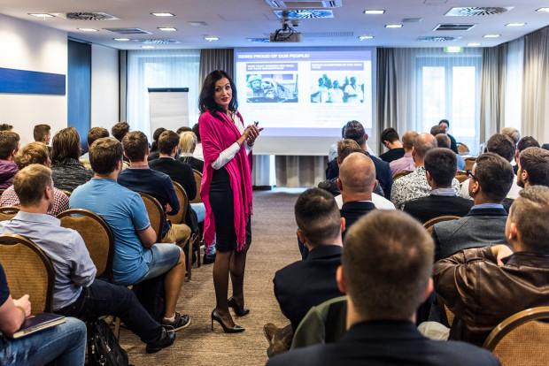 Szkolenie na pilota w Wizz Air Pilot Academy składa się z dwóch etapów i odbywa się w ośrodku szkoleniowym na Węgrzech.