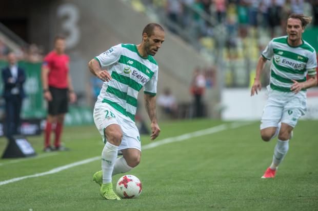 Pomimo braku skuteczności, a nawet asyst przy bramkach Lechii, Flavio Paixao wciąż jest jednym z najważniejszych piłkarzy w kadrze Lechii. Portugalczyk zagrał w tym sezonie we wszystkich siedmiu kolejkach, tylko raz wchodząc na boisko z ławki rezerwowych.