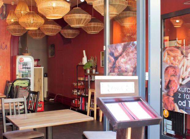 Jeśli jesteś głodny, a nie masz zbyt wiele czasu, to bar Pollo Loco będzie idelanym miejscem na szybki obiad w dobrej cenie i zadowalającym smaku.