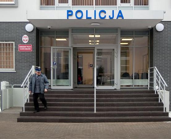 54-letni mężczyzna zmarł w komisariacie w Redłowie. Szczegóły zdarzenia bada prokurator.