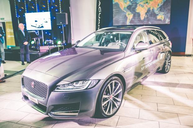 """W ofercie silnikowej Jaguara XF Sportbrake klienci znajdą cztery diesle i jednego """"benzyniaka""""."""