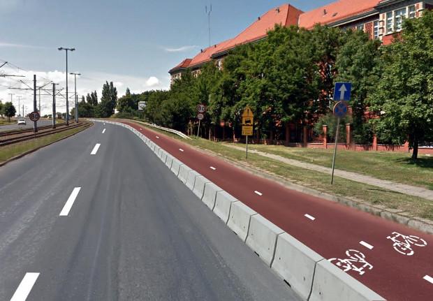 Wizualizacja jednego z wariantów formy trasy rowerowej łączącej Gdańsk Południe ze Śródmieściem i siecią gdańskich tras rowerowych. Wygodny, bezpośredni przebieg o niewielkim nachyleniu podjazdu na Chełm. Bezpieczeństwo - trasa w pełni odseparowana od jezdni. Brak wpływu na ruch samochodowy (trasa wykorzysta rezerwy przepustowości Armii Krajowej uzyskane po otwarciu Południowej Obwodnicy Gdańska i zastąpieniu na tej ulicy ruchu autobusów tramwajami)
