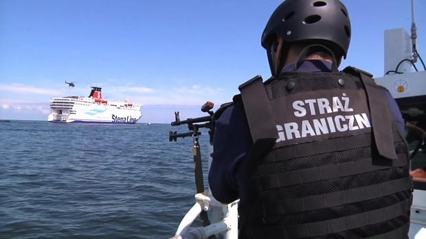 Niektóre jednostki pływające MOSG uzbrojone są w karabiny maszynowe kalibru 12,7 mm. Zdjęcie wykonane w 2013 r. podczas pokazu działań antyterrorystycznych i ratowniczych w Gdyni.