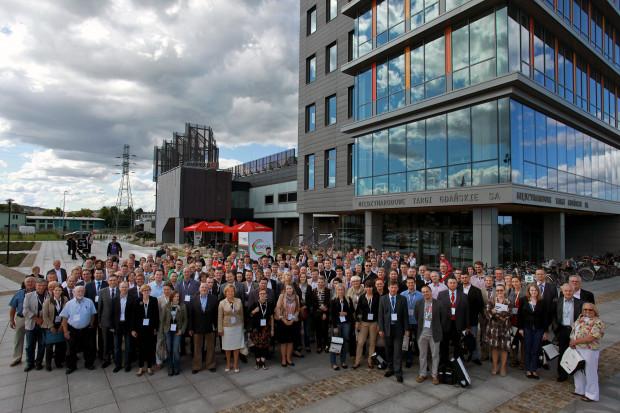 Częśćpoprzednich edycji miała miejscena terenie MTG. VIII Kongres Mobilności Aktywnej odbędzie się w Europejskim Centrum Solidarności. W tym roku organizatorzy spodziewająsięok. 300 uczestników.