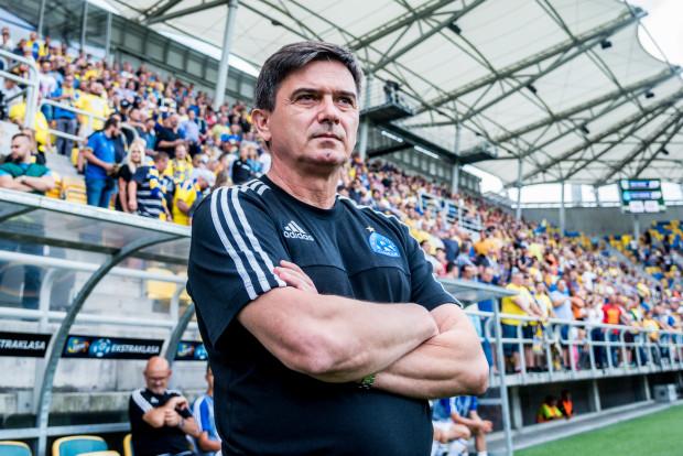 Waldemar Fornalik nie ma dobrych wspomnień z meczów z Arką. W ostatnim sezonie jego drużyna dwukrotnie przegrała z żółto-niebieskimi, a niemal 10 lat temu gdynianie przyczynili się do jego zwolnienia z Polonii Warszawa.