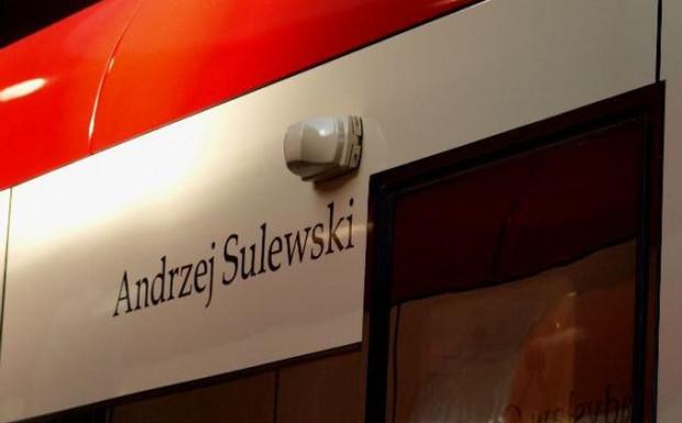 """""""Pirat"""" Andrzej Sulewski jest patronem tramwaju Pesa Swing o numerze bocznym 1040."""