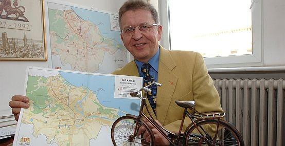 Zawodową pasją Antoniego Szczyta było rozwijanie komunikacji rowerowej w Gdańsku.