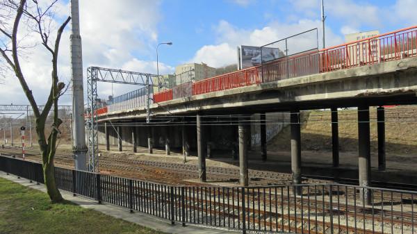 Stary wiadukt Biskupia Górka - latem 2019 r. pojedziemy tutaj już nowym wiaduktem.
