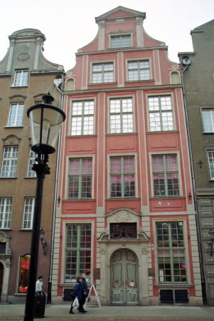 Dom Uphagena przy ul. Długiej 12 w Gdańsku. W przyszłym roku minie 20 lat, odkąd wnętrza tego budynku są udostępniane zwiedzającym.