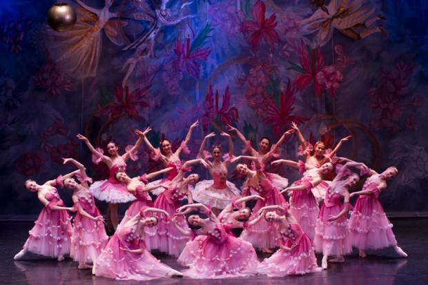 """Moscow City Ballet jak co roku przywozi do Trójmiasta pod koniec roku dwie produkcje baletowe. Tym razem są to """"Dziadek do orzechów"""" (na zdjęciu) oraz """"Jezioro łabędzie"""", które zobaczyć można 27 i 28 listopada."""