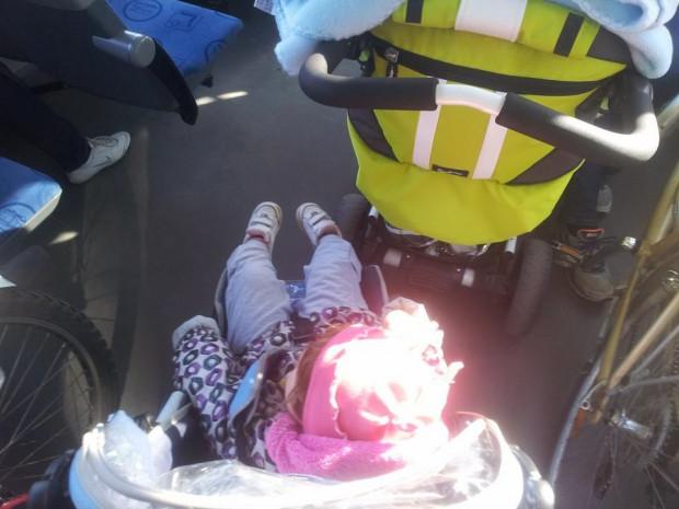 Gdy w pojeździe muszą mieścić się dwa wózki i dwa rowery, podróż przestaje być komfortowa dla wszystkich.