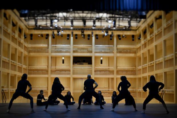 """Pierwszą współczesną operę mistyczą """"Mystic Opera: Eneos"""", której integralną częścią jest Gdański Teatr Szekspirowski, przygotowuje w GTS Agnieszka Anna Kamińska."""