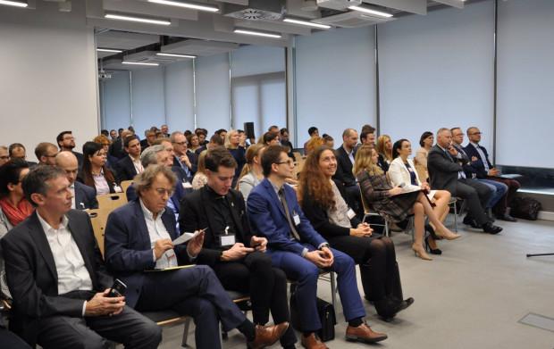Venture Day skupia w jednym miejscu cztery grupy, których współpraca jest kluczowa dla rozwoju innowacji, są to startupowcy, naukowcy, inwestorzy ikorporacje.