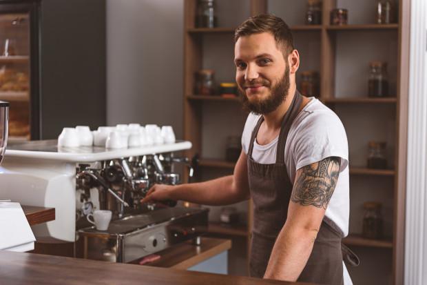 W przyszłym roku na rynku pracy będzie brakowało m.in. szefów kuchni, kucharzy, pomocy kuchennych, kelnerów i barmanów.