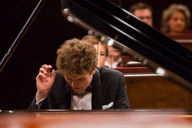 Szymon Nehring, finalista ostatniego Konkursu Chopinowskiego, zagra recital w sobotę 18 listopada o godz. 19.