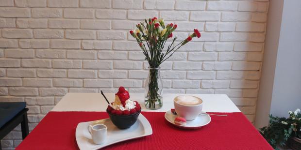 W ramach akcji Wieczór Niepodległości w wybranych gdańskich lokalach będzie można zjeść biało-czerwone dania. Na zdjęciu deser z lodziarni Bingsu.