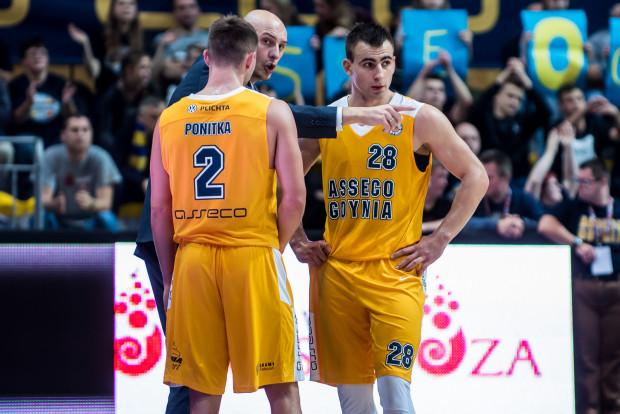 Czy trenerowi Przemysławowi Frasunkiewiczowi uda się wskazać koszykarzom Asseco kierunek najlepszego bilansu w PLK? Przemysła Żołnierewicz (nr 28) będzie jednym z tych, którzy postarają się zatrzymać lidera, Anwil Włocławek.