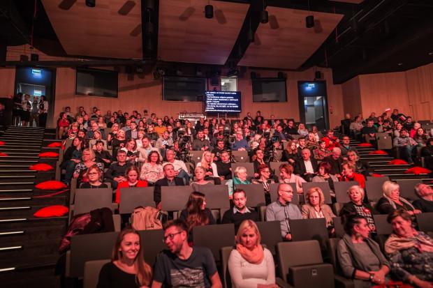 Zainteresowanie publiczności było spore, choć nie udało się wypełnić widowni do ostatniego miejsca.