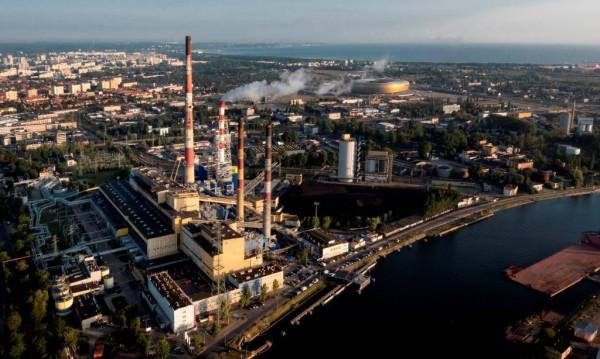 Elektrociepłownia w Gdańsku (na zdjęciu) dysponuje 776 MW mocy cieplnej i 220 MW mocy elektrycznej, natomiast Elektrociepłownia w Gdyni ma 466 MW mocy cieplnej i 110 MW mocy elektrycznej.