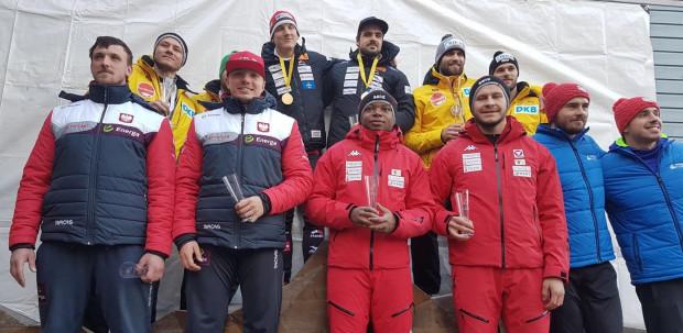 Najlepsi bobsleiści w dwójkach drugiego dnia zawodów Pucharu Europy w  Lillehammer. Pierwszy z lewej Krzysztof Tylkowski.