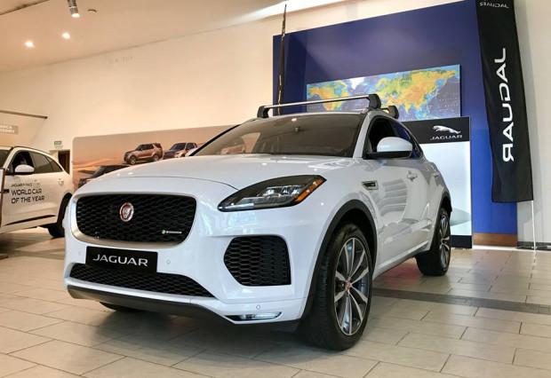 Tak prezentuje się mniejszy brat Jaguara F-Pace.