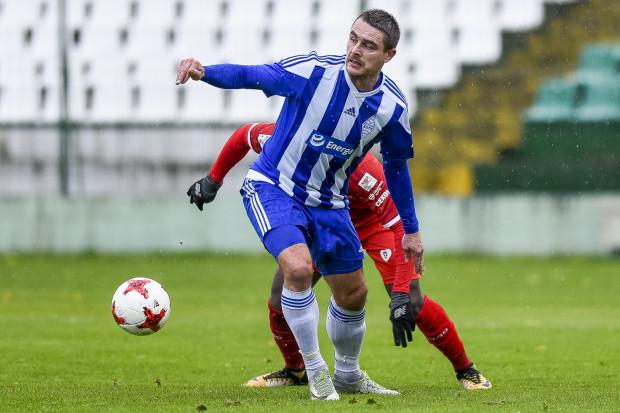 Mateusz Kołodziejski w wieku 17 lat trafił do pierwszej drużyny Arki Gdynia i marzył, by w tym klubie grać do końca kariery. Stało się inaczej. Obecnie występuje w III-ligowym Bałtyku, ale ma nadzieję na wywalczenie awansu z tą drużyną.
