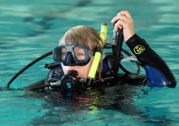 Kursy nurkowania organizowane są przez liczne w Trójmieście szkoły oraz kluby nurkowe i pływackie.