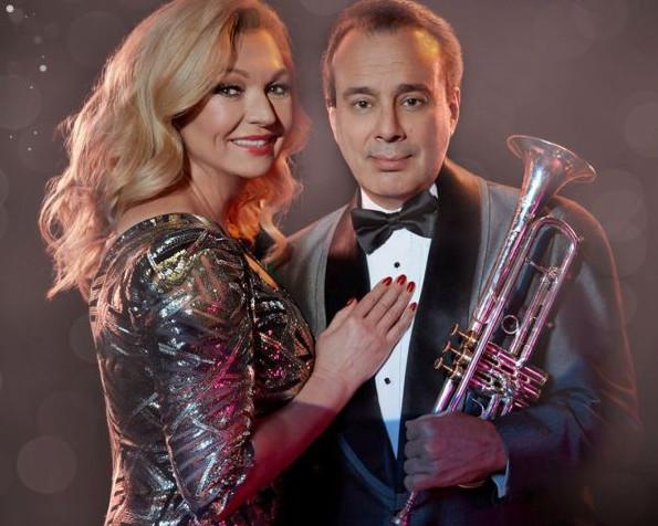 """W czwartek 14 grudnia będzie można poczuć magię świąt podczas koncertu """"Małgorzata Walewska & Gary Guthman Jazz Quartet: Christmas songs"""", który odbędzie się w Filharmonii Bałtyckiej."""