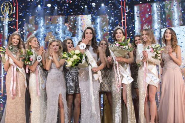 O tytuł najpiękniejszej kobiety w kraju rywalizowały 24 kandydatki, które wcześniej zostały wybrane w konkursach Miss Polski.