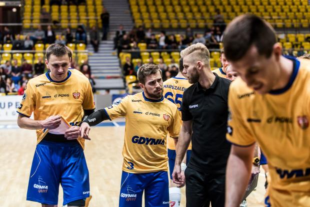 Rafał Jamioł (nr 3), czyli były zawodnik Piotrkowianina był jedną z głównych postaci ataku Spójni. Niestety trener Marcin Markuszewski ponownie nie mógł liczyć na defensywę.