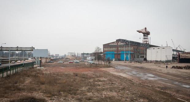 Hala traserni, przed którą w projekcie planu przewidywano utworzenie placu publicznego.