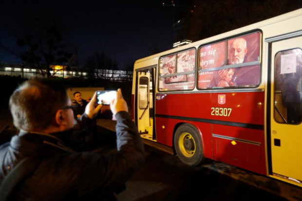 Po Gdańsku codziennie kursuje autobus niosący pomoc osobom potrzebującym.