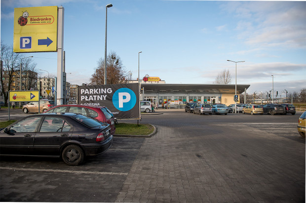 Biedronka przy ul. Morskiej to jedyny dyskont sieci w Trójmieście, gdzie trzeba płacić za parkowanie.