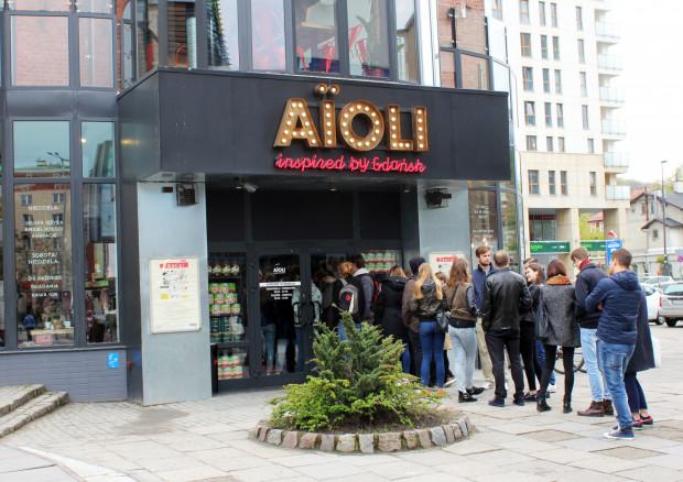 Poranne kolejki do Aioli to już norma. Pożywne śniadanie można tam zjeść nawet za 10 zł (1 zł śniadanie + dowolna kawa).
