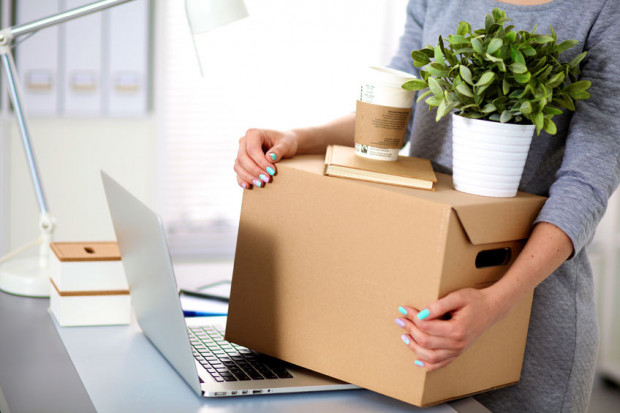 Pracodawcy pokrywają koszty przeprowadzki, niejednokrotnie też pomagają w kwestiach logistycznych.
